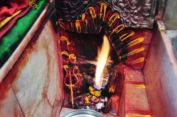 Shri Jwaladevi who exists in the form of an eternal flame in Kangda