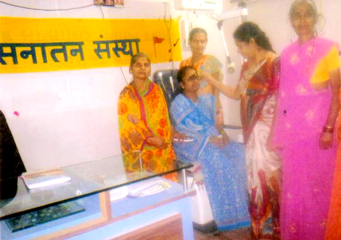 Free eye checkup camp for needy women