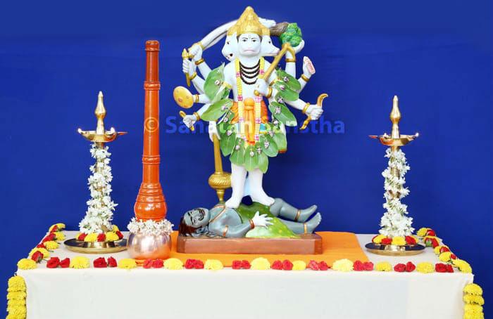 Panchamukhi Hanuman-kavach yadnya (fire sacrifice) performed