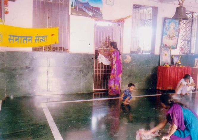 चैतन्यमय मंदिरों को स्वच्छ कर समाज के समक्ष मंदिरों का महत्त्व दर्शाना